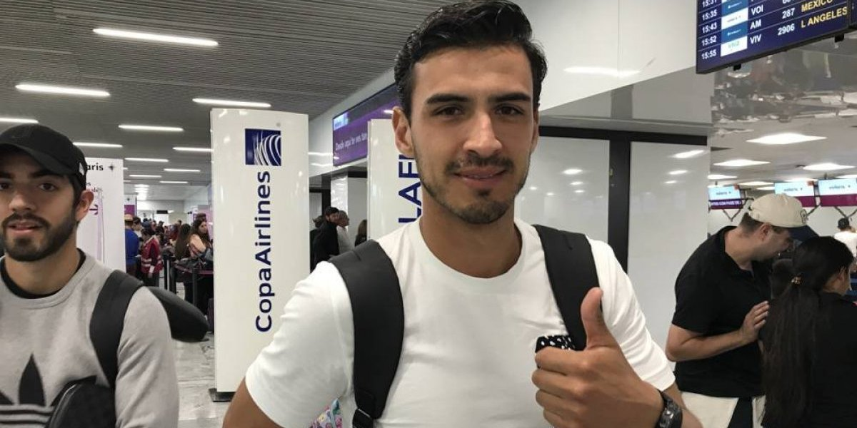 Oswaldo Alanís viajó con Chivas a Cancún, pero no ha firmado