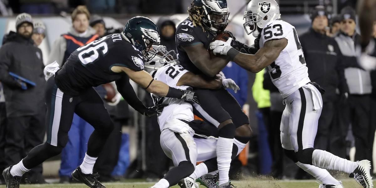 Eagles vencieron a Raiders y aseguran liderato de la NFC