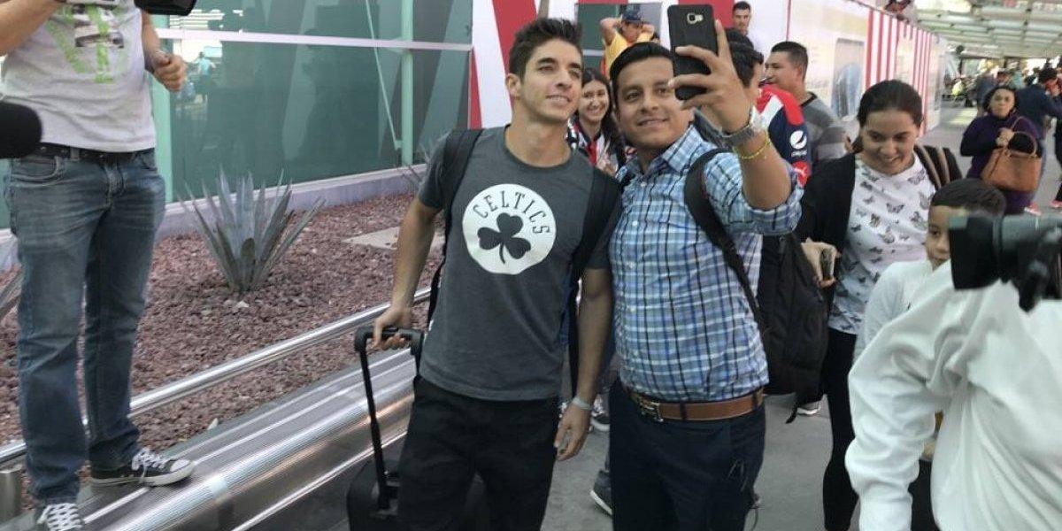 Isaac Brizuela, de Chivas, pide respeto de los clubes al futbolista