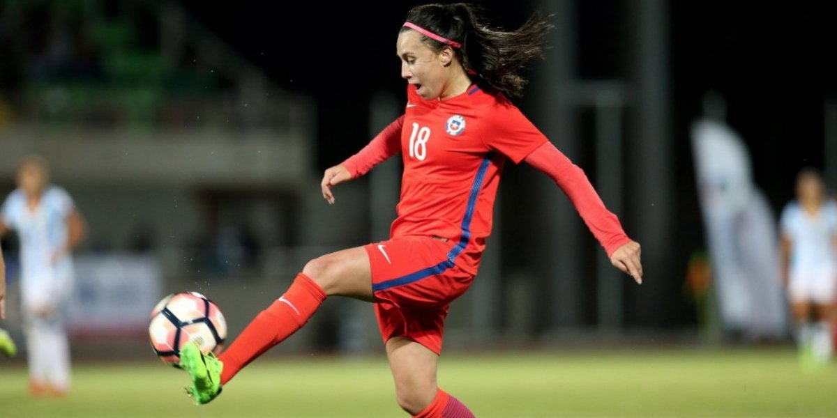 Otra chilena de exportación: Camila Sáez se va a club español para buscar el ascenso
