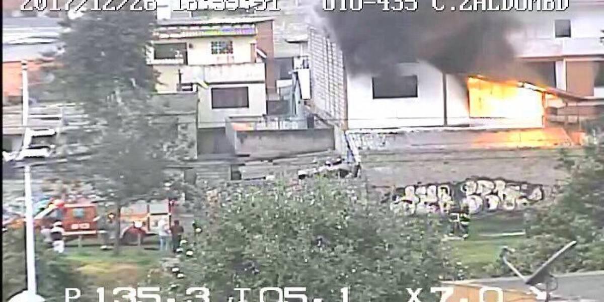 Incendio estructural en el sector la Gatazo, sur de Quito