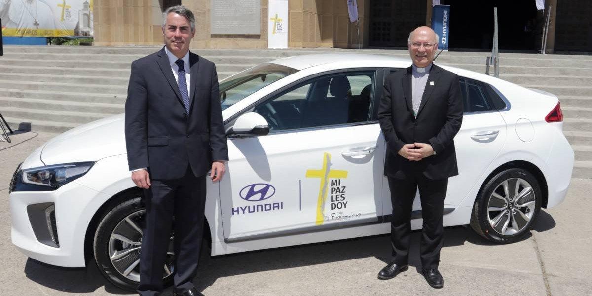 La flota papal de Hyundai comienza con los Ioniq