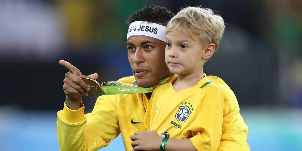 Justiça de São Paulo condena Neymar a pagar parto do filho
