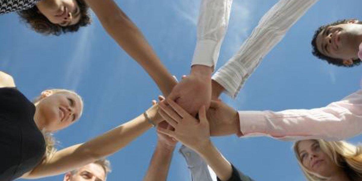 DDEC y Banco Popular firman acuerdo para promover emprendimiento