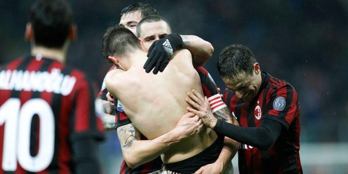 El Milan le gana el derbi al Inter y avanza a las semifinales