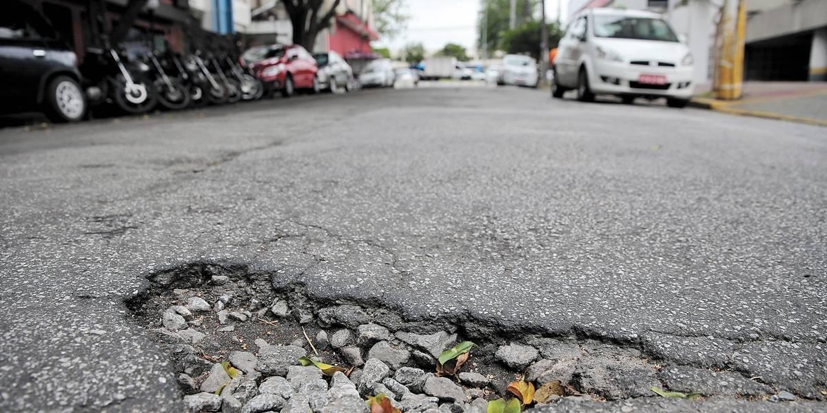 Buraco torna conversões perigosas no Campo Belo