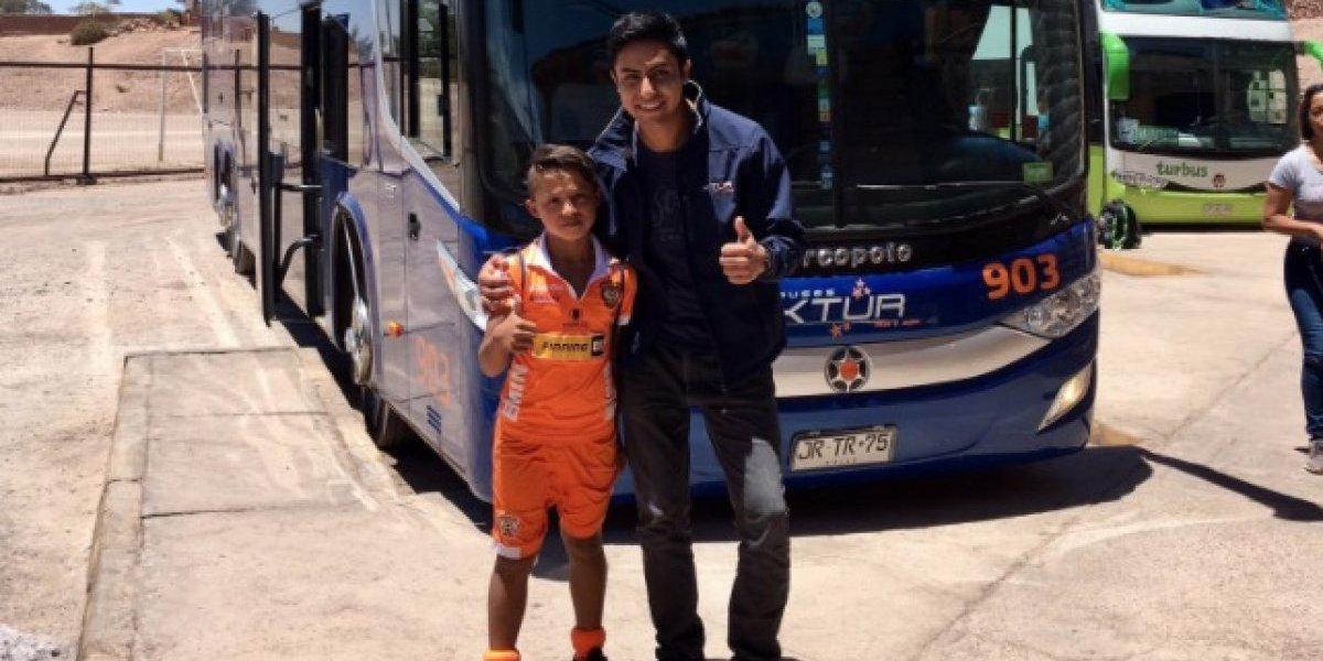 La iniciativa de una empresa de buses para ayudar a pequeño cadete de Cobreloa
