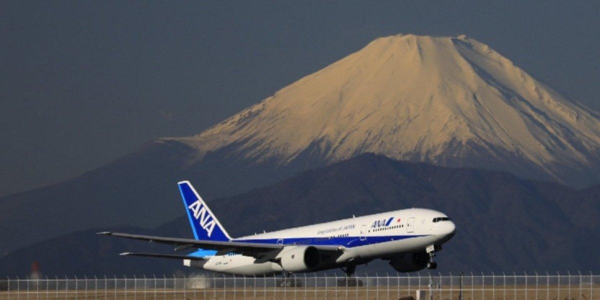 """Insólito: Avión viajaba a Tokio desde Los Ángeles y tuvo que devolverse por pasajero """"colado"""""""