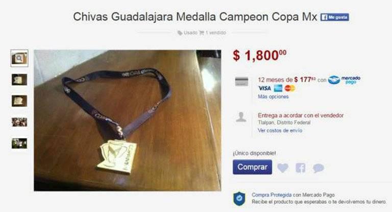 Las medallas se venden sin restricciones en el famoso sitio por internet |ESPECIAL