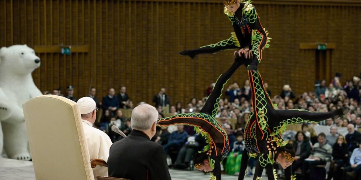 VIDEO. Acróbatas de circo se presentan para el papa Francisco