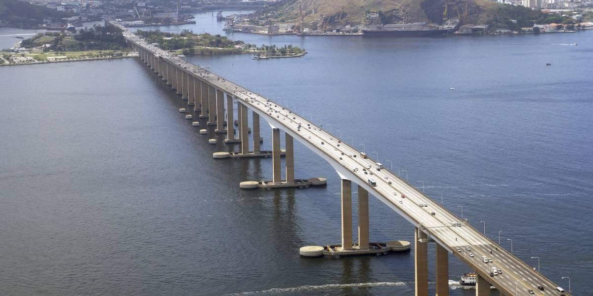 Resgate de cão provoca fechamento da ponte Rio-Niterói nos dois sentidos