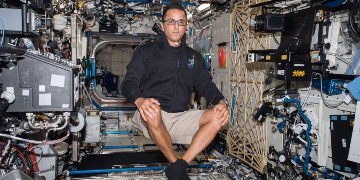 Astronauta boricua recibe parranda en el espacio