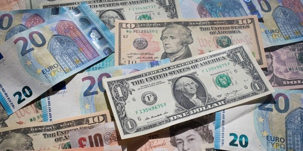 Dólar sigue por arriba de 20 pesos en bancos