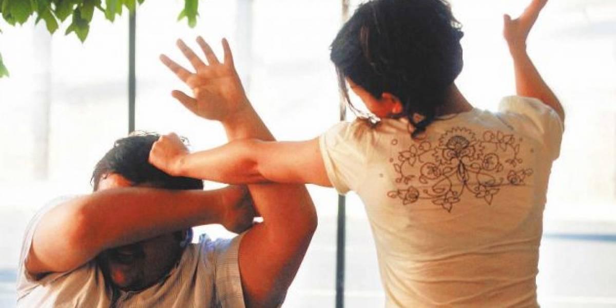 Arrestan a dos mujeres por golpear a sus maridos en Chihuahua