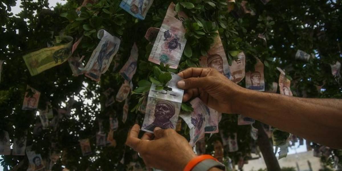 """Las """"peores fiestas navideñas"""": Venezolanos protestan ante la falta de """"todo"""""""