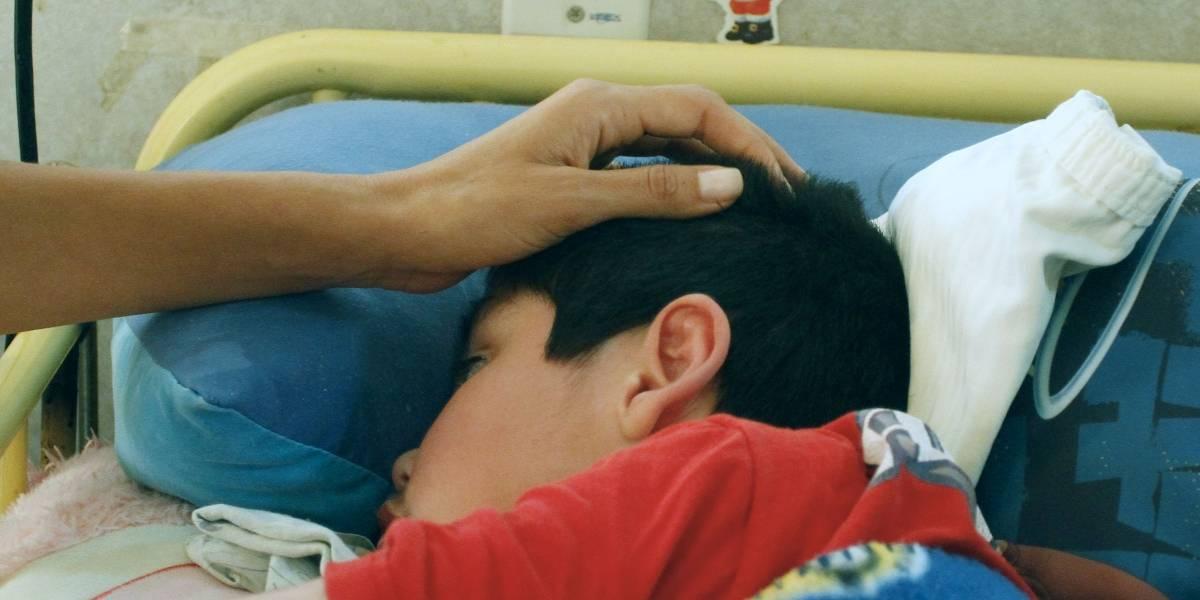 """Se promulgó la """"ley Sanna"""" para que los padres acompañen a sus niños menores con enfermedades graves: ¿Cómo funciona?"""