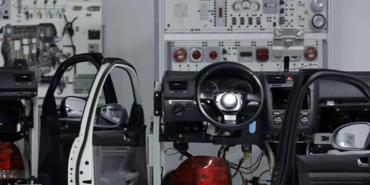 Aumenta 13% la producción de vehículos en Puebla
