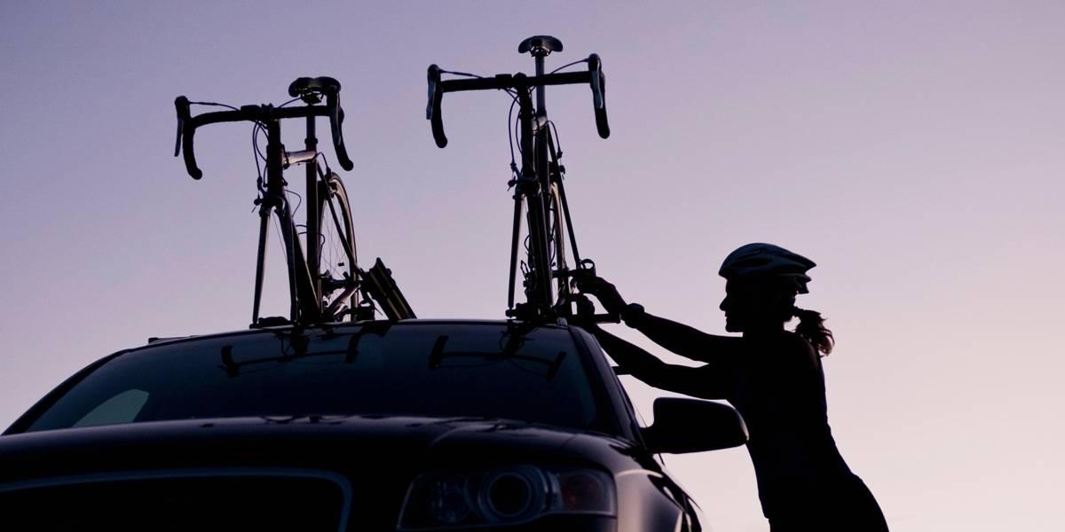 Vai viajar de carro e quer levar a bicicleta ou prancha de surfe? Confira dicas