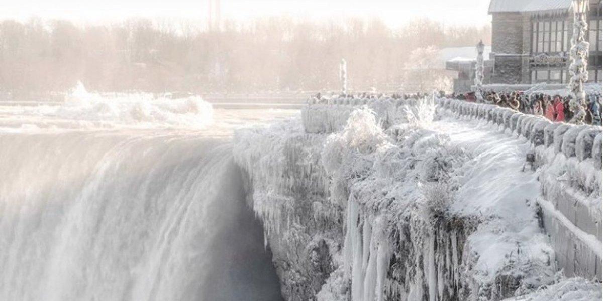 ¡Impresionante! Se congelan las Cataratas del Niágara