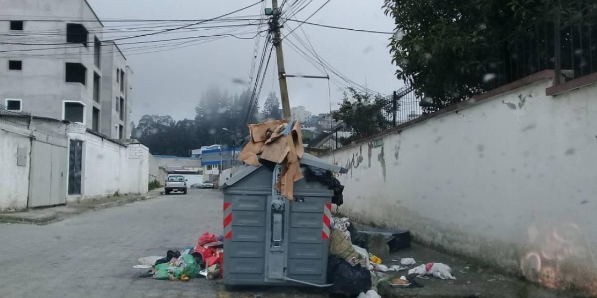 Designan nuevo gerente de empresa de aseo de Quito tras acumulación de basura