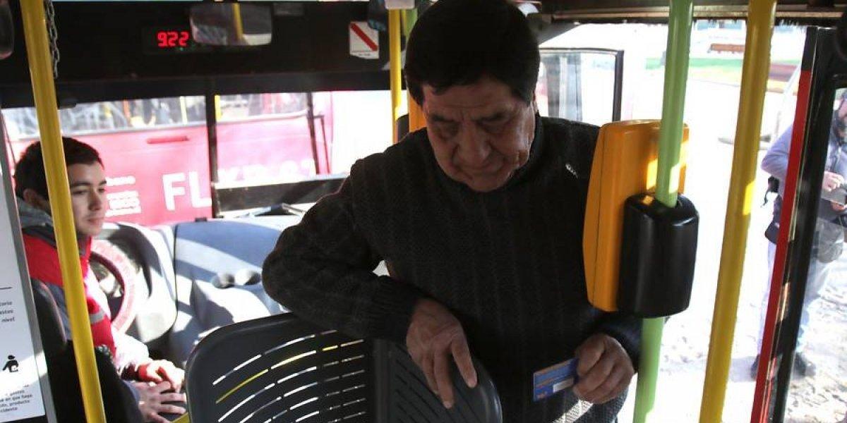 """Odiados torniquetes """"mariposa"""" y buses oruga no se moverán con la llegada del """"Nuevo Transantiago"""""""