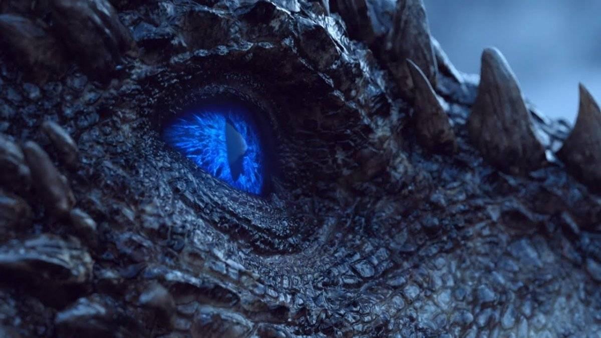 """Viserion (""""Game of Thrones""""). Para salvar Jon Snow (Kit Harington) dos White Walkers, Daenerys Targaryen (Emilia Clarke) perdeu um de seus filho. Viserion foi atingido com uma lança pelo Rei da Noite e agora faz parte de seu exército. Em sua primeira missão ao lado do inimigo, no último episódio da sétima temporada, ele destruiu a Muralha / Reprodução"""