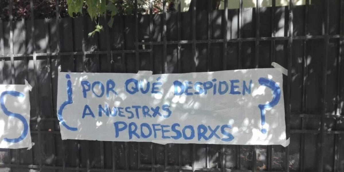 Denuncian despidos de profesores en Providencia y término de cursos de educación cívica