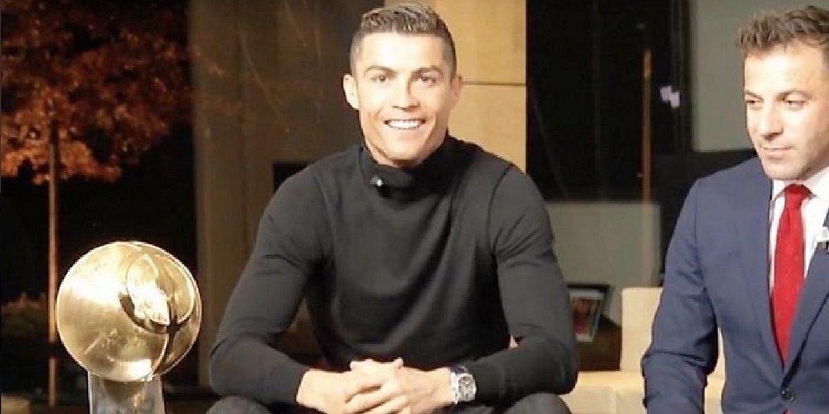 Cristiano presume su último trofeo de 2017, la premiación fue por todo lo alto