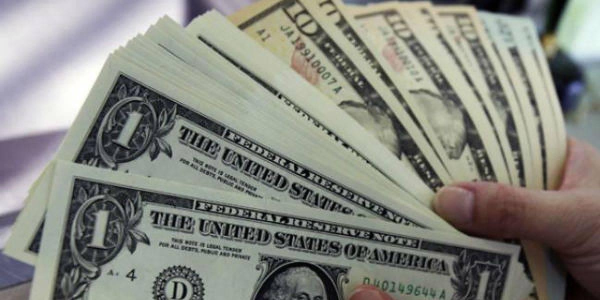Dólar cierra última jornada del año a la baja; se vende en 20.04 pesos