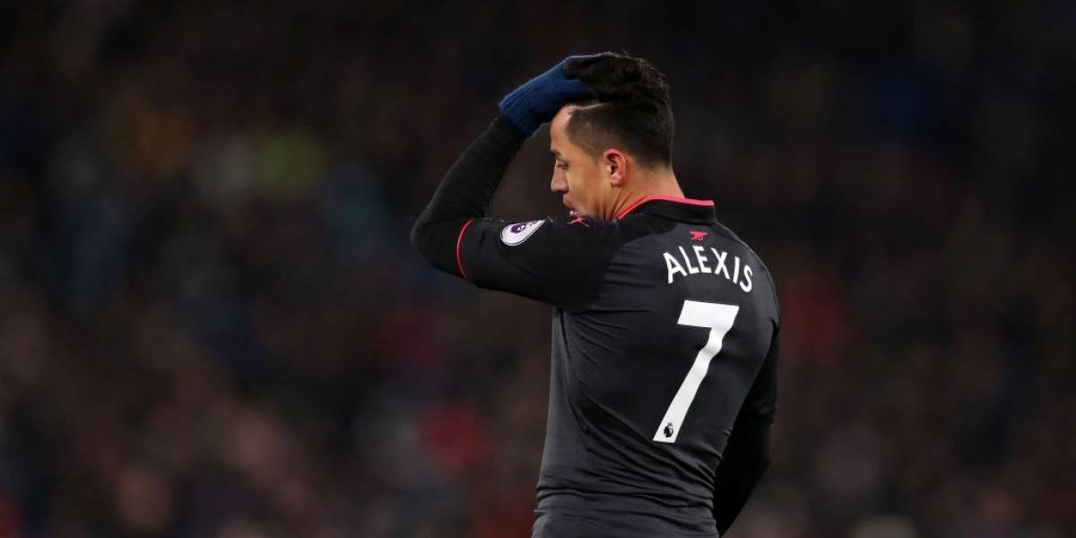 Diario inglés secunda a Henry: la actitud de Alexis tiene dividido al plantel del Arsenal