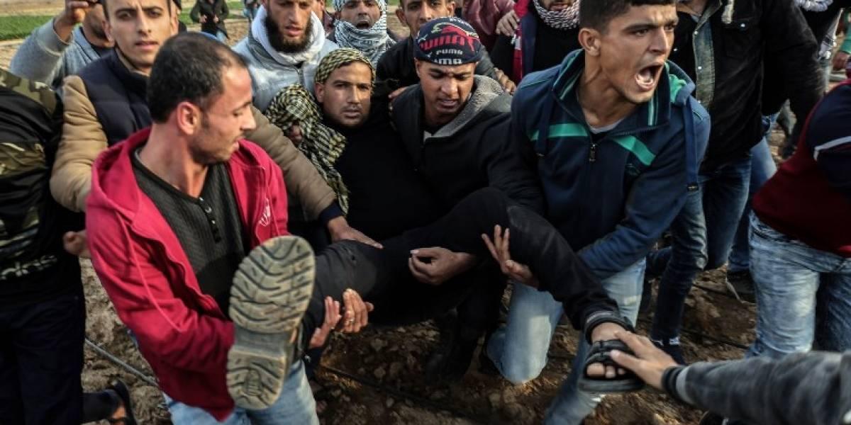 Más de 50 palestinos heridos por soldados israelíes en Gaza y Cisjordania