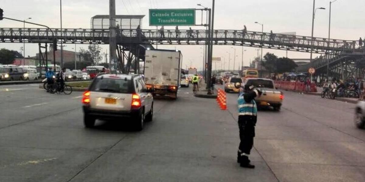 Cierre en la vía a La Mesa amenaza con colapsar la Autopista Sur