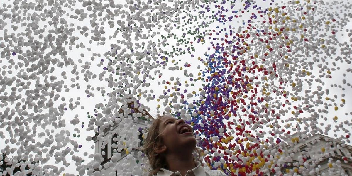 Colorean el cielo de Sao Paulo con miles de globos para recibir un 2018 con mejoras económicas