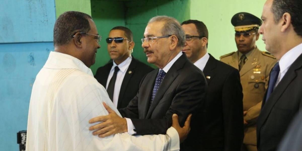 Danilo Medina asiste a acto de ordenación del nuevo Obispo de SPM