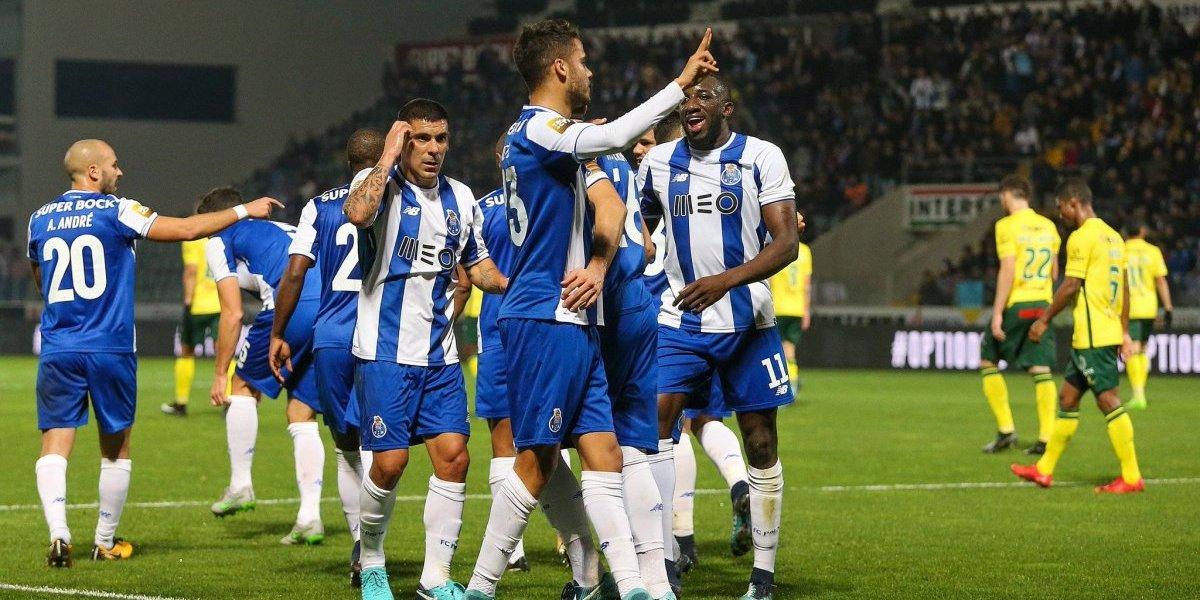 Reyes hace gol y 'Tecatito' da asistencia en triunfo del Porto