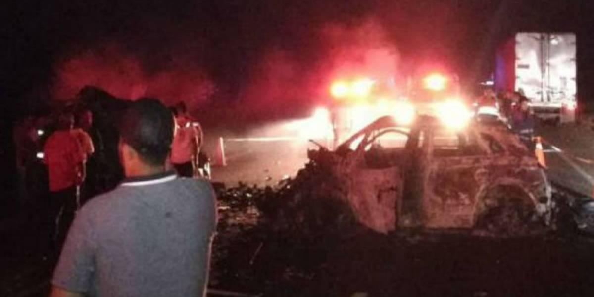Diez muertos y dos heridos deja choque en carretera Acapulco-Zihuatanejo