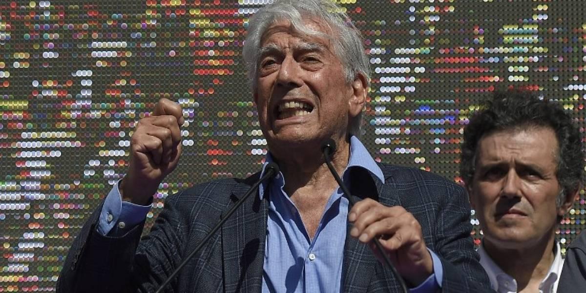 Vargas Llosa y más de 230 autores peruanos rechazan indulto a Fujimori