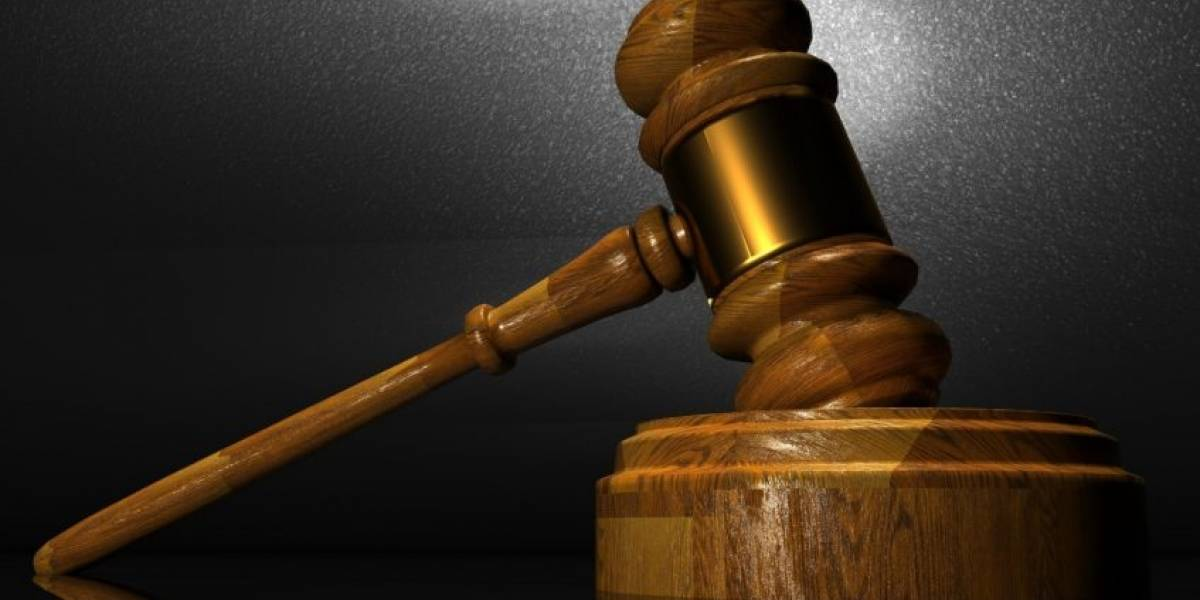 Presentan cargos contra dos sujetos por disparar y atentar contra policía municipal de Carolina