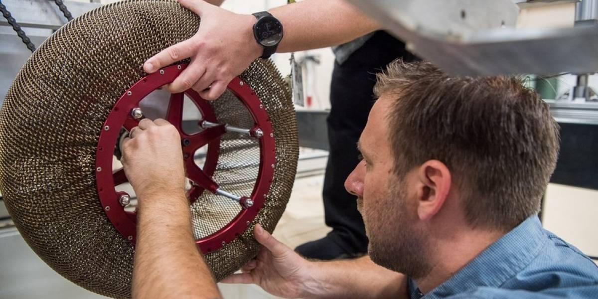 """A """"reinvenção da roda"""": como é o substituto quase indestrutível dos pneus criado pela Nasa"""