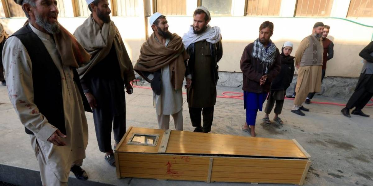 Afeganistão: sobe para 17 número de mortes em ataque no leste do país
