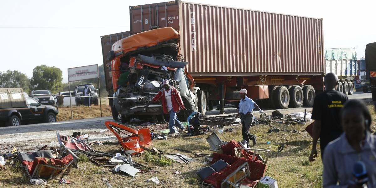Mortal choque de autobús y camión en Kenia
