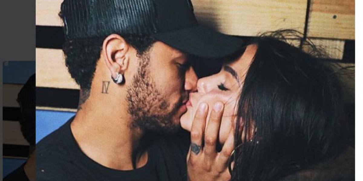 Bruna Marquezine recebe surpresa de Neymar e se declara