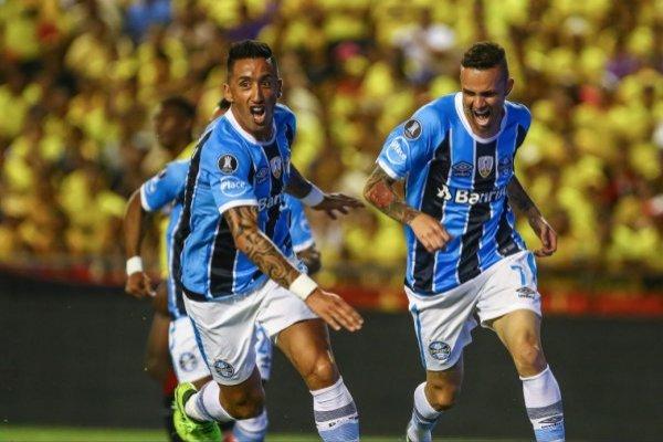 Lucas Barrios no llega a Colo Colo / imagen: Flickr Gremio