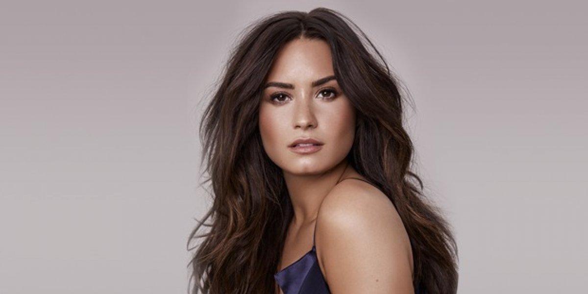 Demi Lovato enciende al mostrar su trasero en un diminuto traje de baño