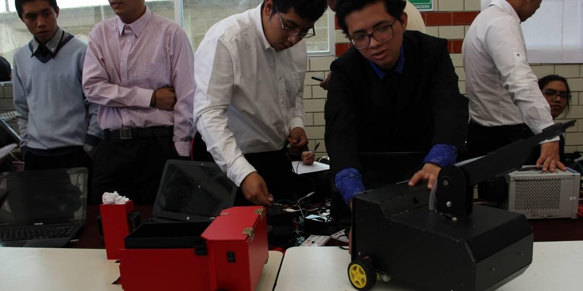 Estudiantes del IPN desarrollan robot 'asistente' para bomberos
