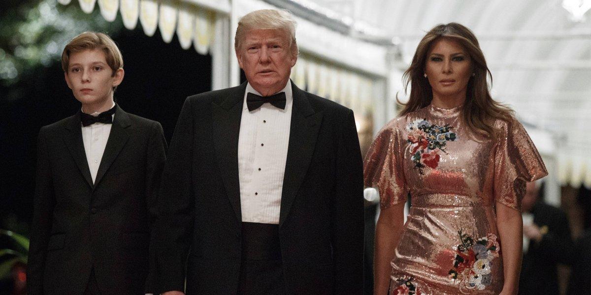 Trump recibe 2018 con una lujosa fiesta en un club privado