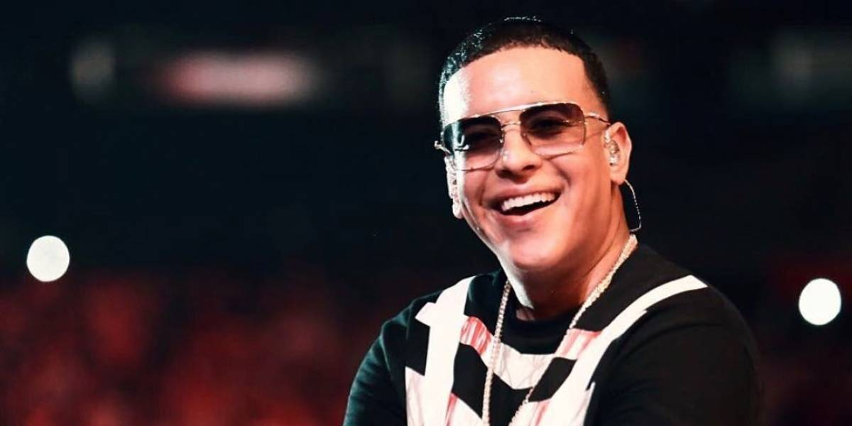 """Daddy Yankee es el duro cuadrando en """"jet ski"""""""