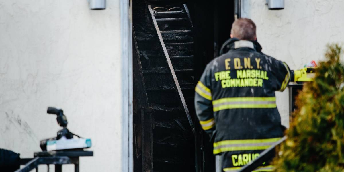 Incendio en edificio de Nueva York deja al menos 12 heridos