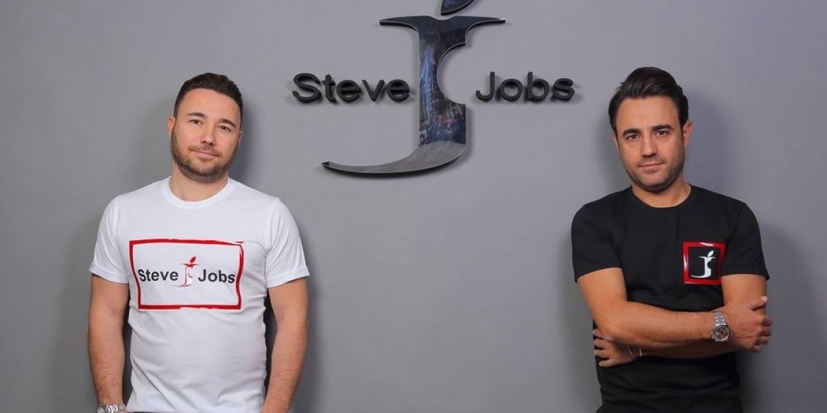 Os italianos que derrotaram a Apple ao registrar primeiro a marca Steve Jobs