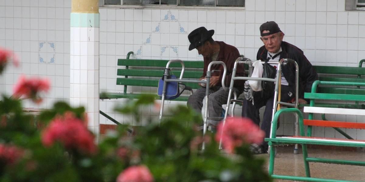 Adultos mayores de gerontológico se empadronan para sufragar en febrero